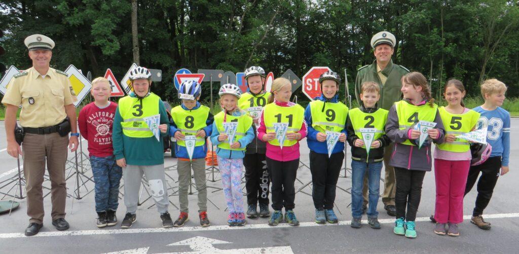 Team Haidmühle mit Lehrer Hr. Kaspar Vogl